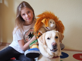 Therapiehund Viktor arbeitet in unserer Dortmunder Praxis.